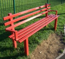 Queensgate Seat with Arm Rests - Street Furniture