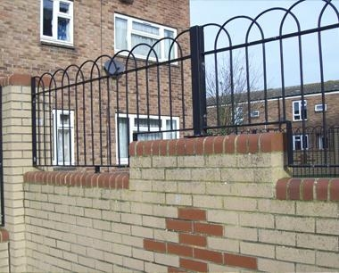 Interlaced Bow Top Fencing Metal Fence Panels Steelway